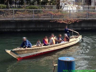 2014_04_12 07 和船の船頭さんは若い女性だったのにびっくり